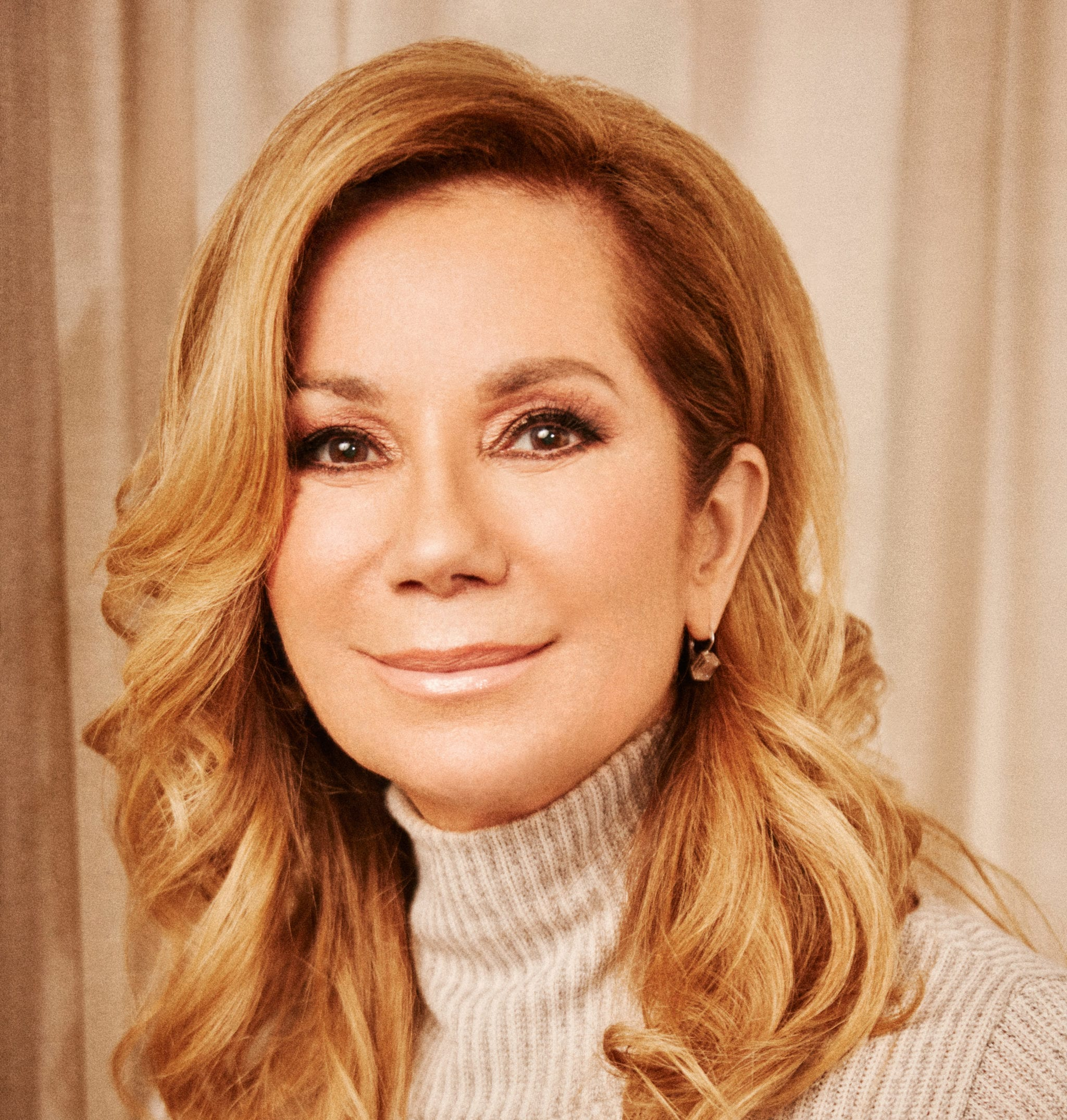 HOLLYWOOD CHAMBER OF COMMERCE TO HONOR TELEVISION PERSONALITY KATHIE LEE GIFFORD WITH VIRTUAL   WALK OF FAME STAR CEREMONY
